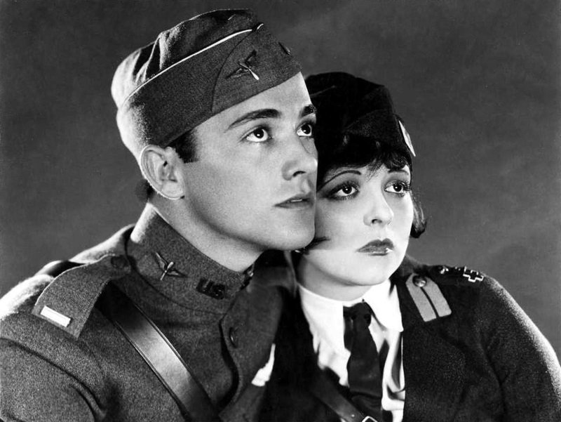 Charles 'Buddy' Rogers and Clara Bow in Wings