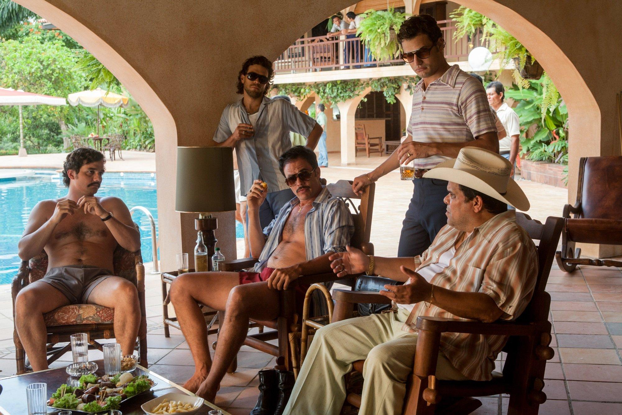 Wagner Moura, Juan Riedinger Juan Pablo Raba, Roberto Urbino and Luis Guzman in 'Narcos'