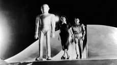 Patricia Neal, Michael Rennie, and Gort, directed by Robert Wise.