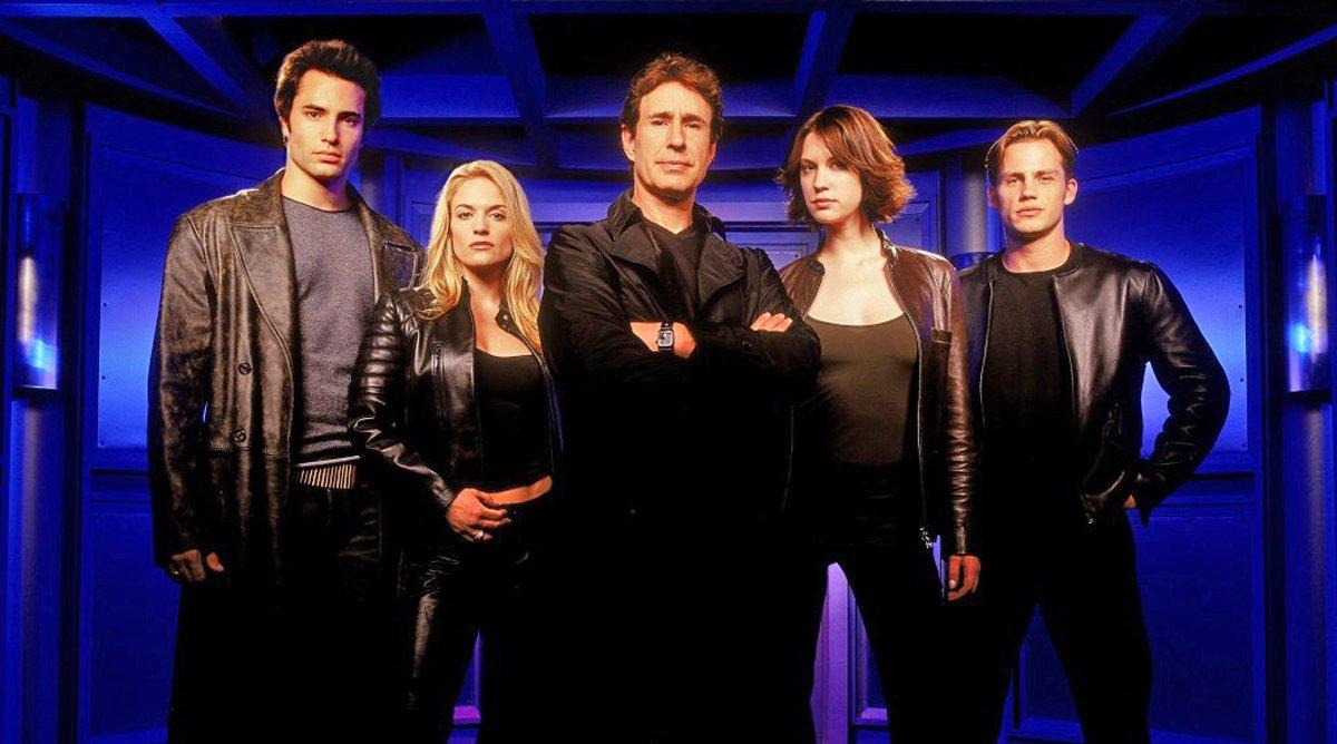 Mutant X with Victoria Pratt (Shalimar Fox), Lauren Lee Smith (Emma DeLauro), Karen Cliche (Lexa Pierce), John Shea (Adam Kane), Victor Webster (Brennan Mulwray) and Forbes March (Jesse Kilmartin)