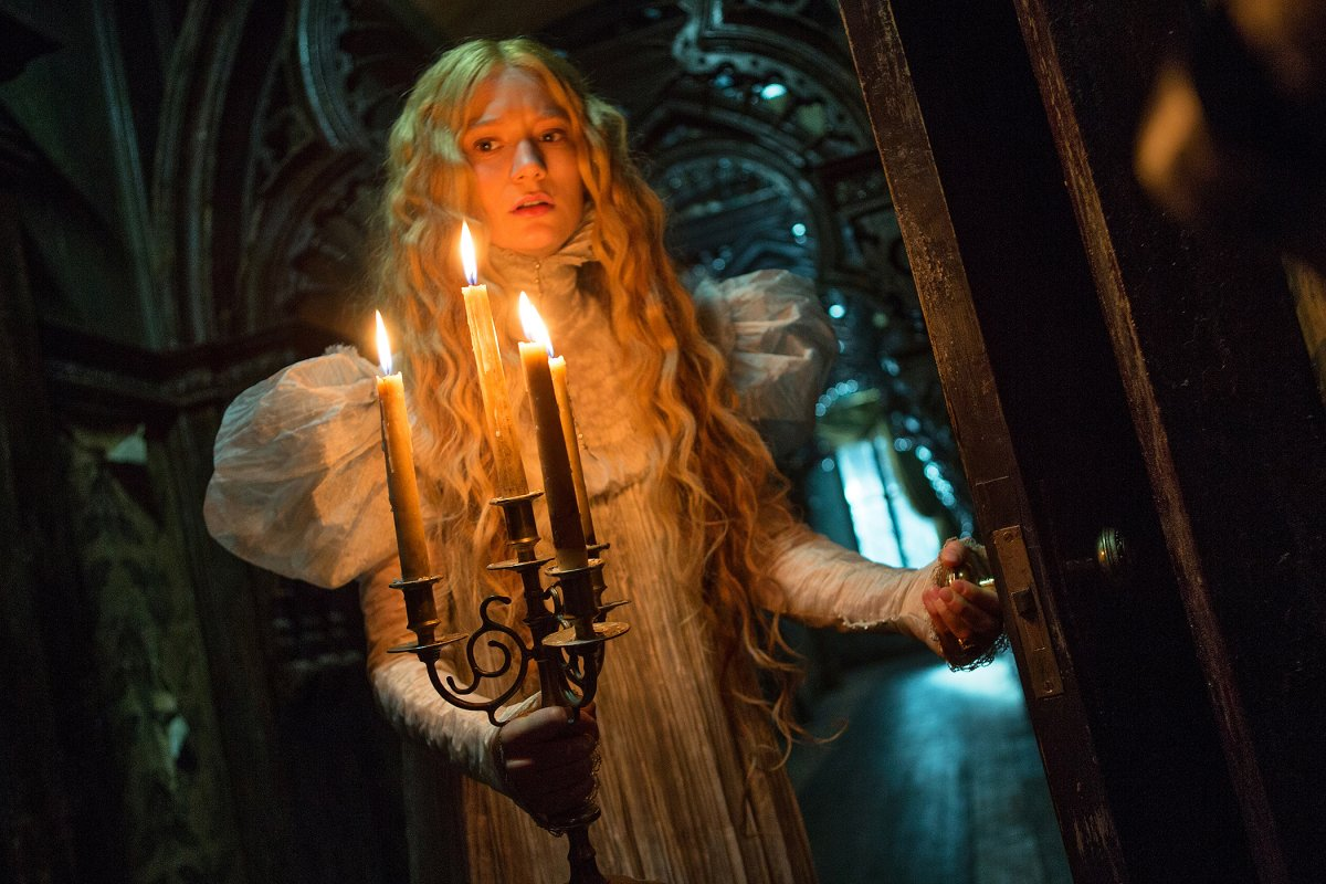 Mia Wasikowska is an American heiress in a British haunted manor in Guillermo Del Toro's 'Crimson Peak'