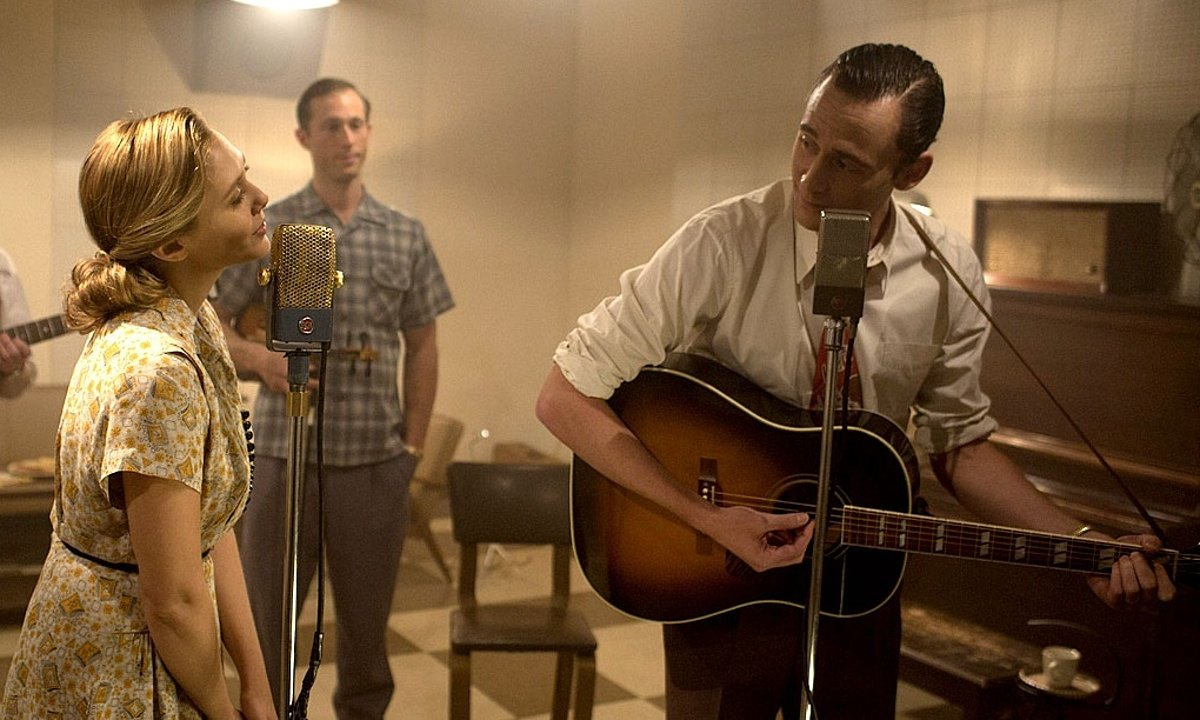 Tom Hiddleston is Hank Williams in 'I Saw the Light'