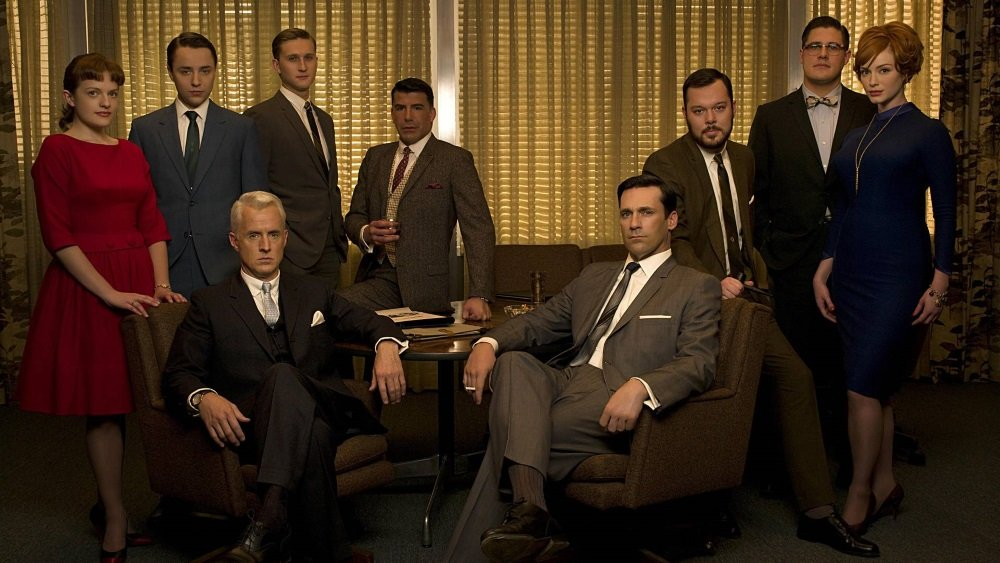 Elisabeth Moss, John Slattery, Jon Hamm, Christina Hendricks, and the cast of 'Mad Men'
