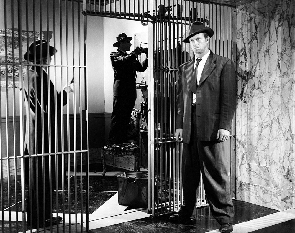 Sterling Hayden and Sam Jaffe star in the film noir from John Huston