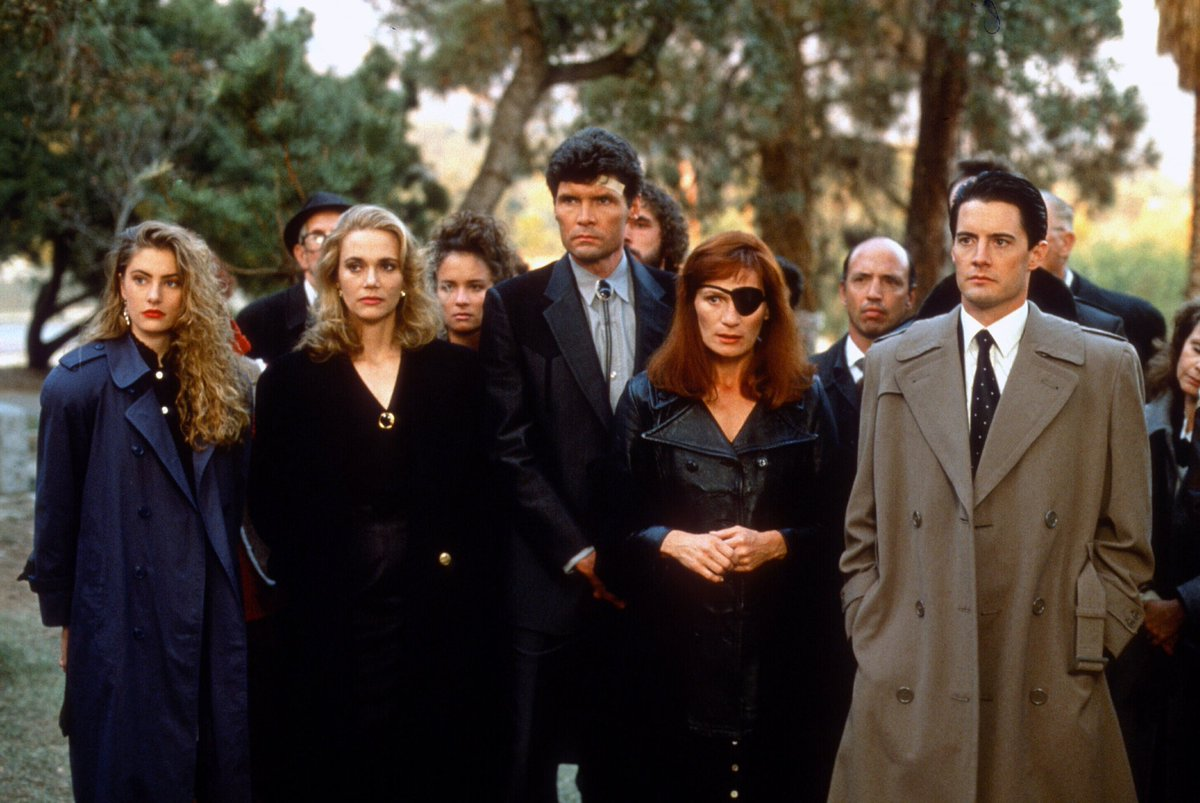 Kyle MacLachlan and cast in the first season of David Lynch's original 'Twin Peaks'