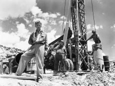 Kirk Douglas stars in Billy's Wilder's noir-tinged newspaper drama from 1951