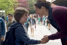 Jacob Tremblay and Julia Roberts in the film by Stephen Chbosky