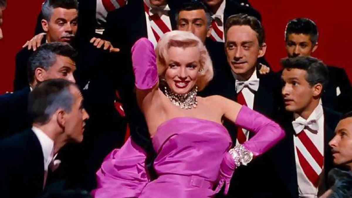 """Мерлин монро в """"Джентълмените предпочитат блондинки"""""""